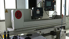 <b>What is the difference between CNC engraving machine and CNC milling machine</b>
